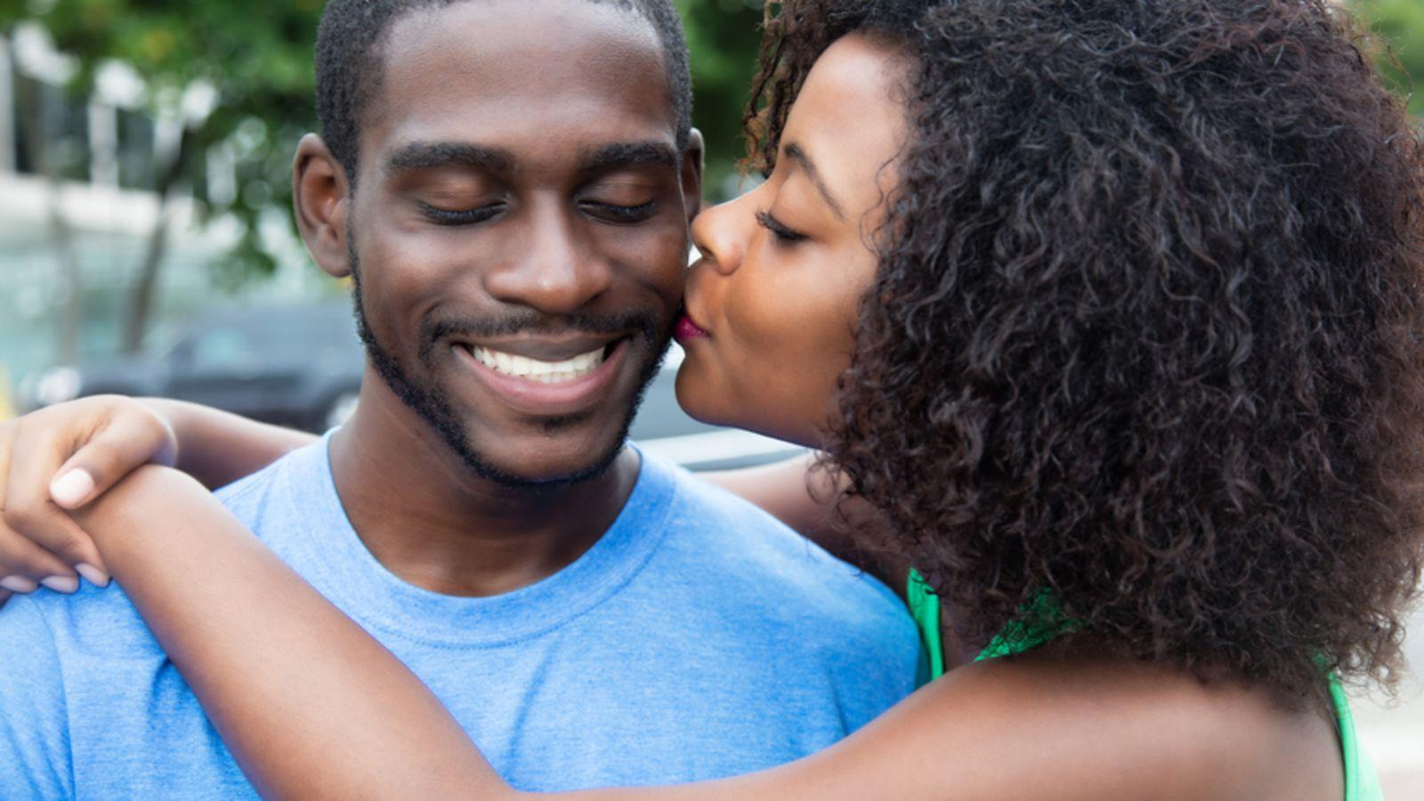 Black Dating Hub qui a inventé la datation du carbone